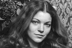 amy-irving